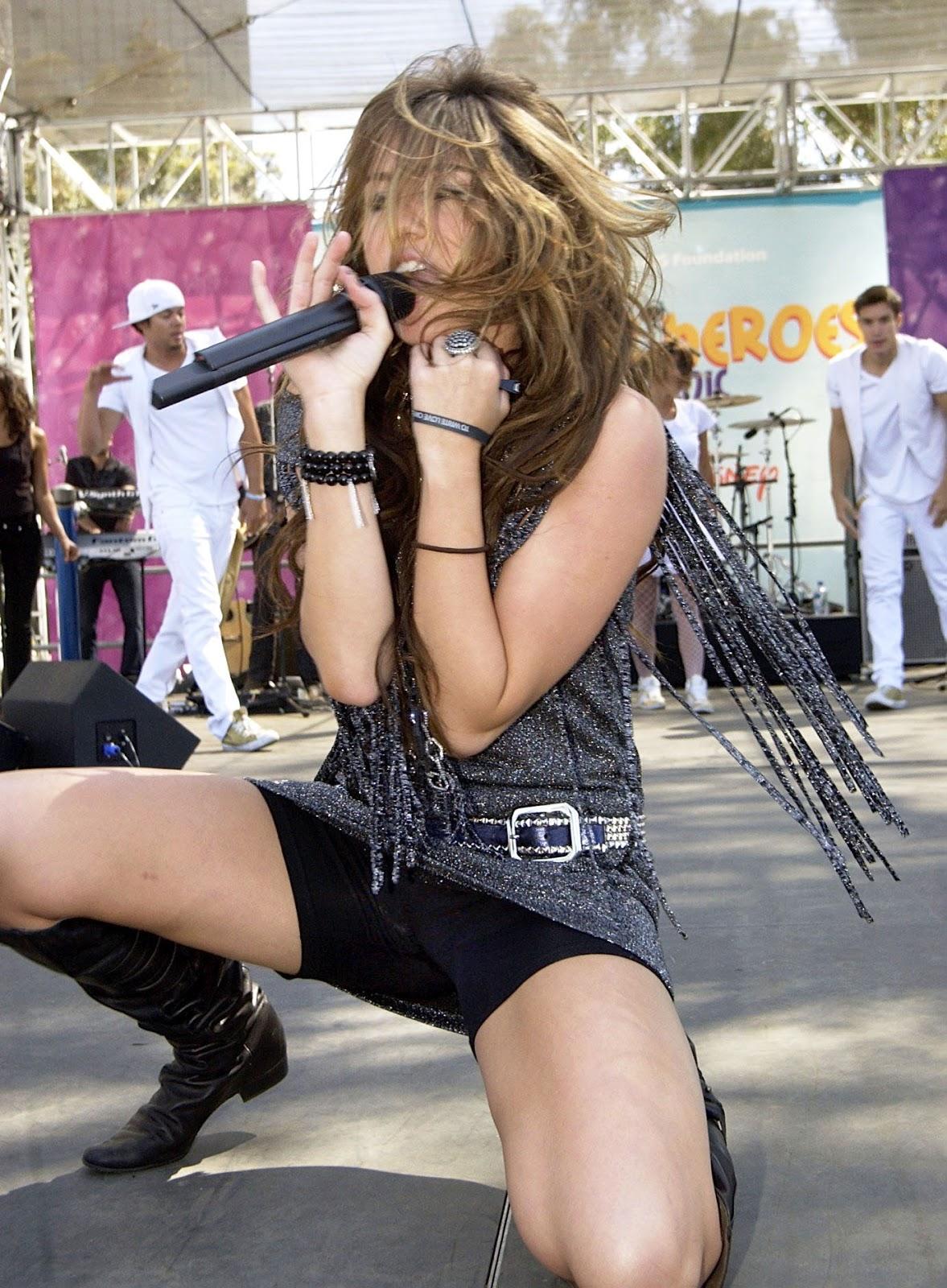 Miley cyrus uncensored upskirt pic