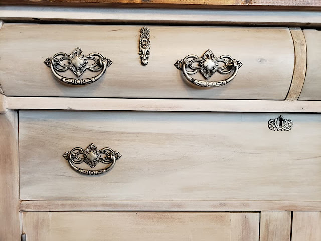 dresser with bail pulls
