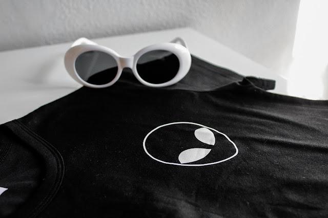 Gamiss Sunglasses-Alien Tshirt