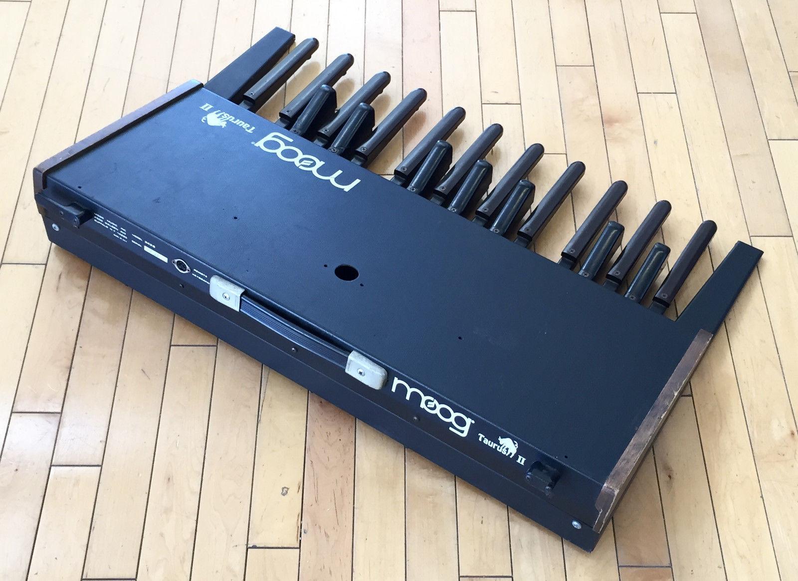 matrixsynth vintage moog taurus ii bass pedals sn 1833. Black Bedroom Furniture Sets. Home Design Ideas