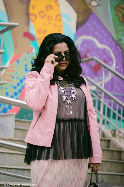 party-outfits-looks-partywear-fashion-style-black-pink
