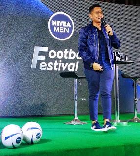 Valention Jebret menjadi MC dalam Press Conference Liga Nivea Men TopSkor U-17