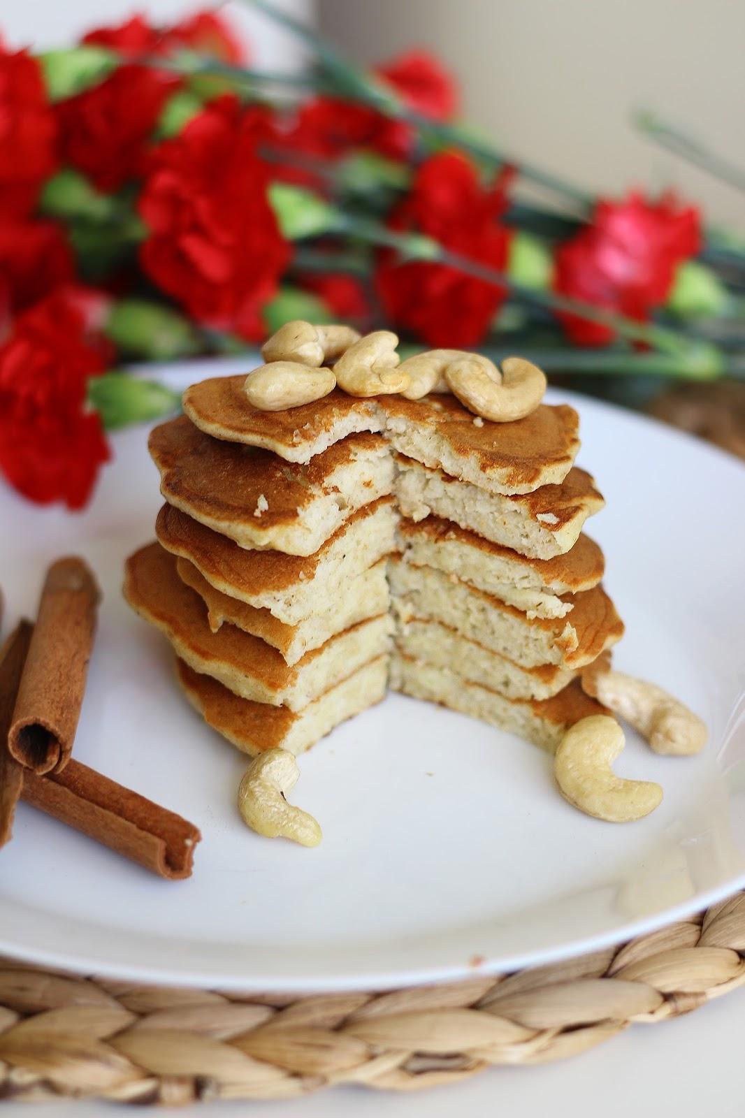 Szarlotkowe pancakes
