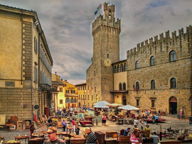 Kunjungi Arezzo