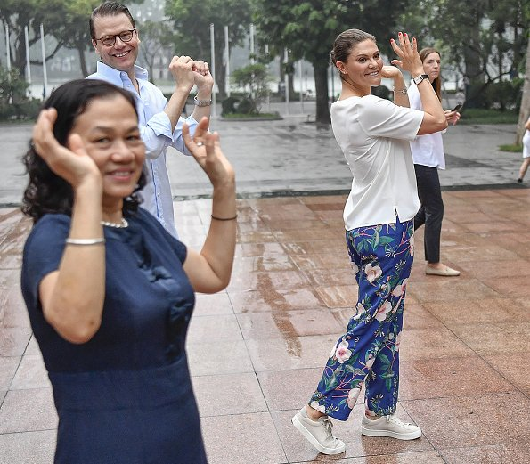 Crown Princess Victoria wore a floral print trousers by Malina. Crown Princess Victoria wore By Malina Leah pants in navy blue
