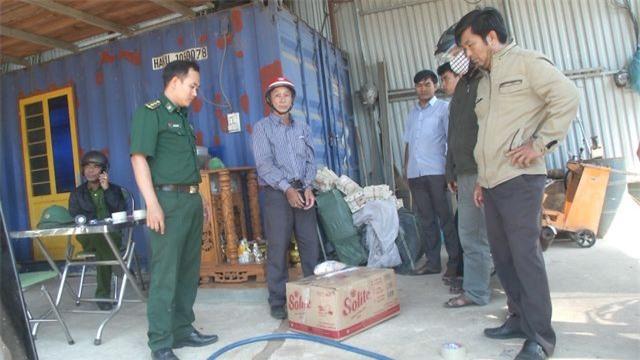 Quảng Ngãi: Bắt đối tượng tàng trữ trên nửa tấn thuốc nổ