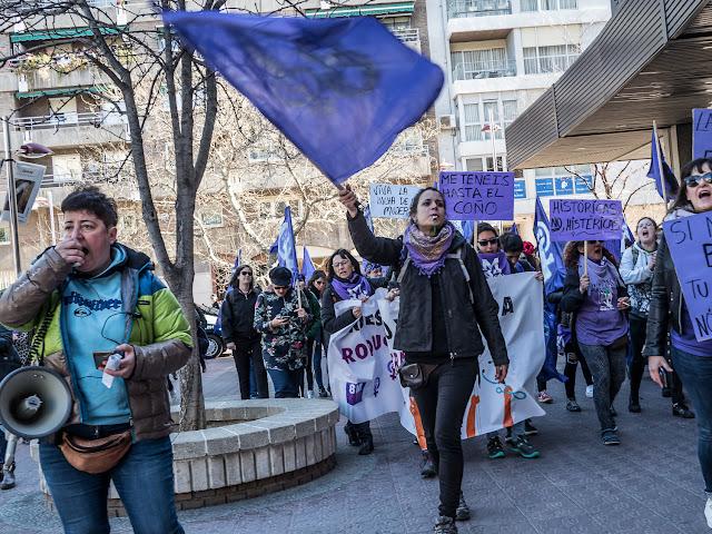8 de Marzo zaragoza Feminista Jornada de lucha y tu estabas trabajando EXCLAVO?