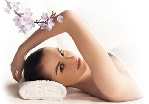 Tắm trắng da toàn thân an toàn bằng thảo dược Nhật Bản