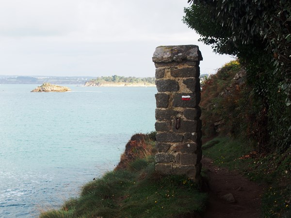Des roches blanches à Tréboul - Douarnenez