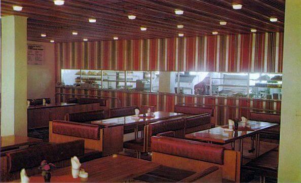 Комбинат питания завода VEF. Зал кавказкой кухни в старом здании комбината