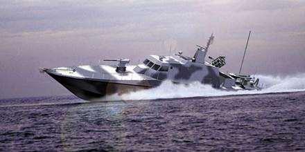 Gambar bentuk kapal cboat cepat buatan Indonesia yaitu Fast Patrol Boat