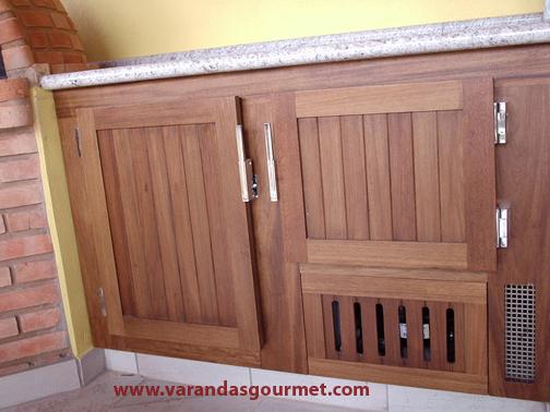 Balcão refrigerado com 1 e 1/2 portas