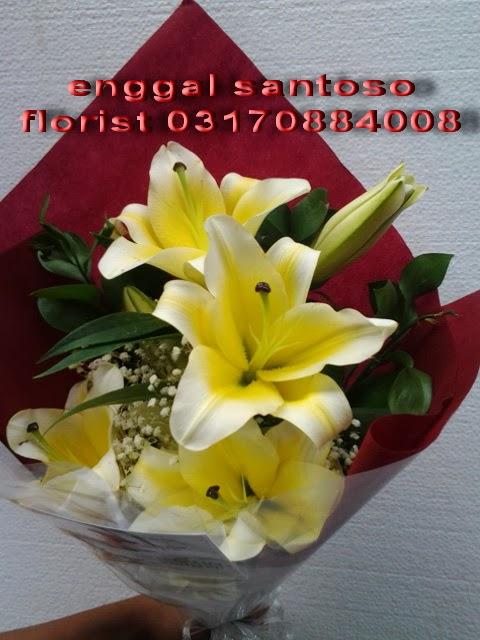 rangkaian karangan bunga lily cassablanca