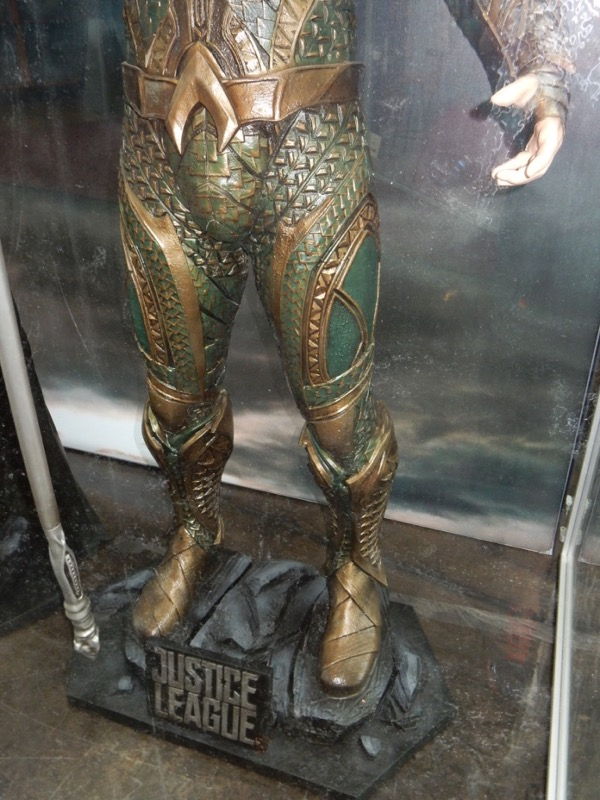 Justice League Aquaman costume legs detail