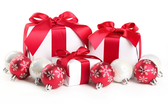 merry christmas gifts and balls wallpaper hd