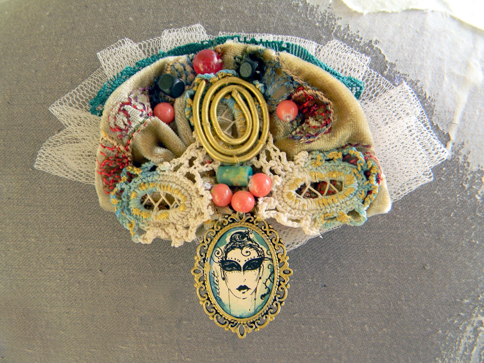 Handmade Steampunk Chic Art Brooch