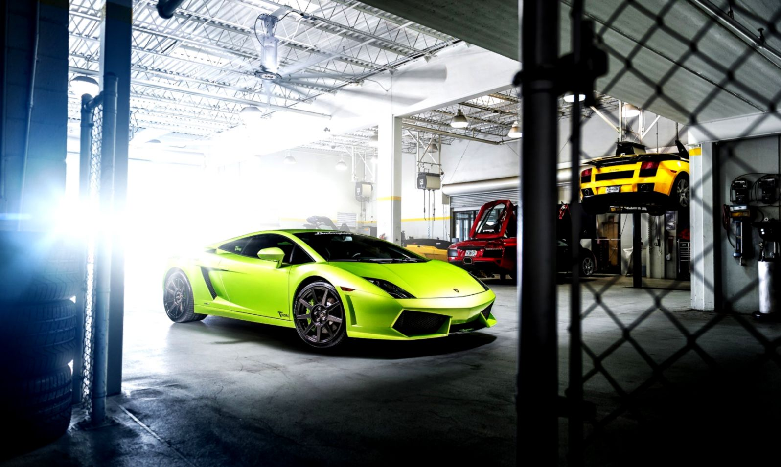 Lamborghini Gallardo Green Car Garage Hd Wallpaper Wallpapers Sinaga