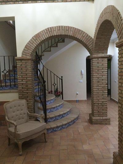 Suelos de barro escalera r stica con ladrillos a medida - Arcos de ladrillo rustico ...