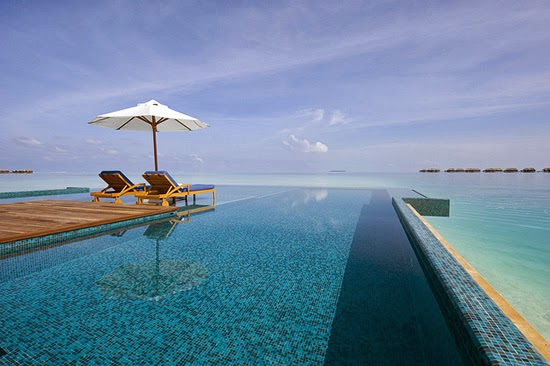 Conrad-Maldives-Maldives-Infnity-Edge-Pool