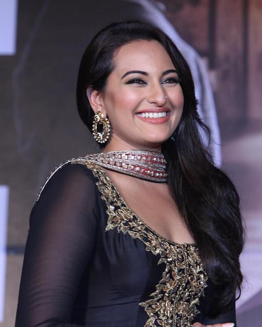 Sonakshi Sinha - Hot Celebrity Photos Download [750]