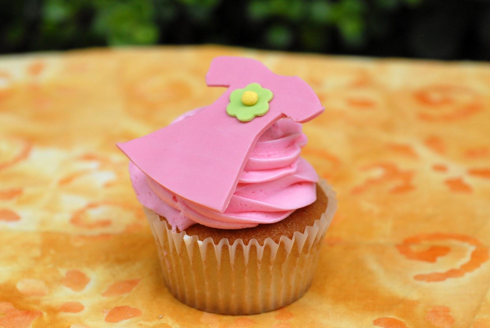 Small Cakes Dozen Cupcakes