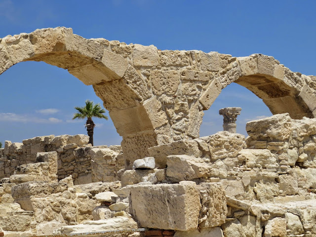 Cyprus Road Trip: Ruined arches at Ancient Kourion