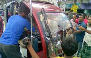 ঠাকুরগাঁওয়ে কর্ম বিরতির নামে শ্রমিকদের তান্ডব: জনজীবন বিপর্যস্ত