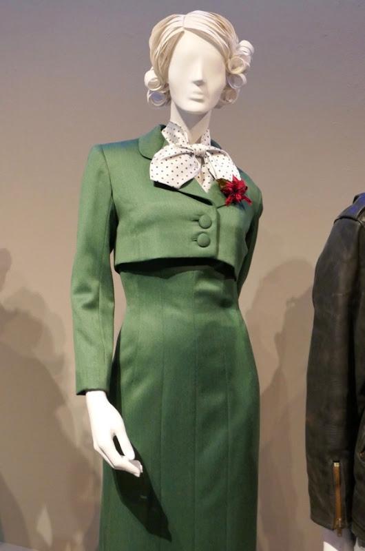 Rachel Brosnahan Mrs Maisel Midge costume
