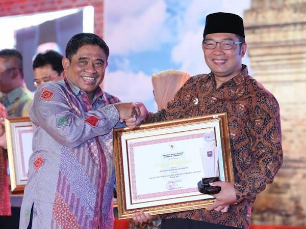 Kota Bandung Raih Penghargaan Tata Kelola Kota Pintar