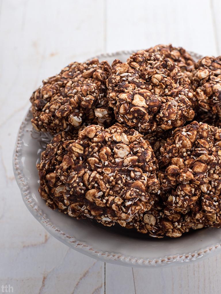 Ciasteczka bez pieczenia z czekoladą wegańskie, bezglutenowe, bez cukru roślinny blog kulinarny