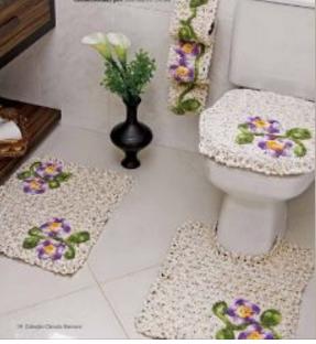 Le gatte coi tacchi schemi tappeti per il bagno e - Cestini all uncinetto per il bagno ...