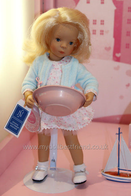 Minouche Joelle 2015 doll