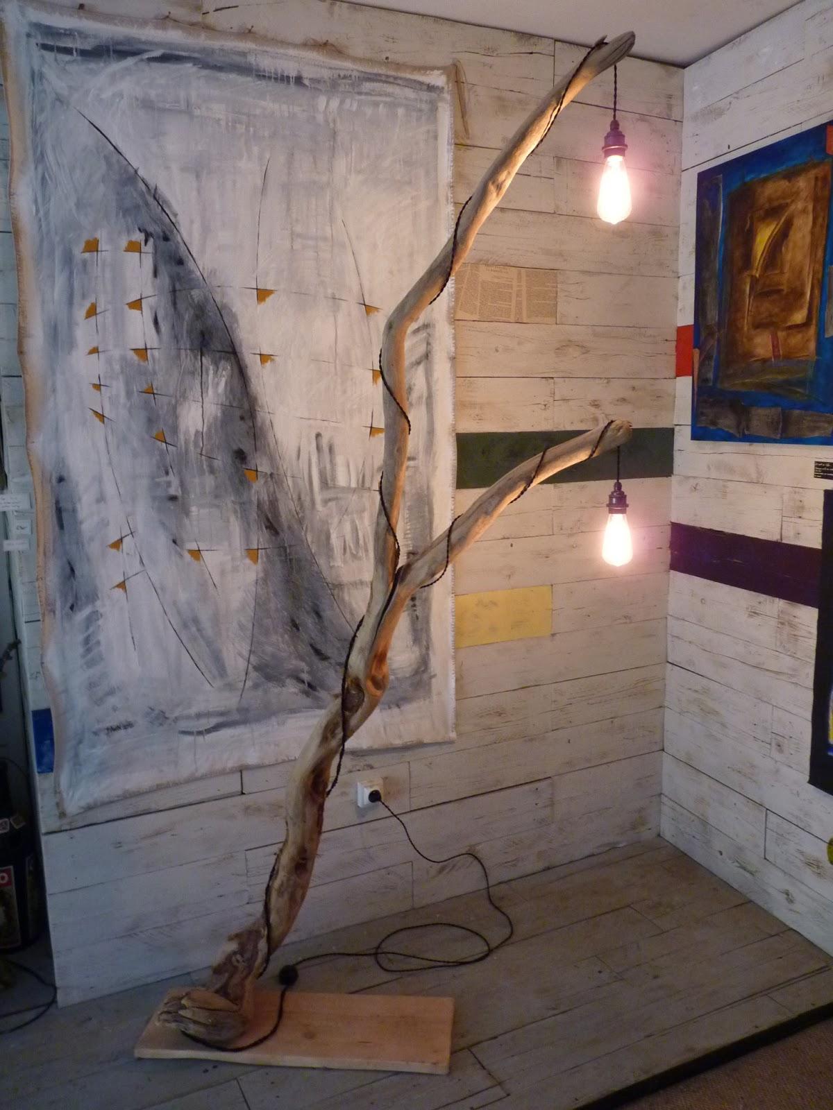 le re acteur luminaire bois flott eucalyptus lighting driftwood eucalyptus. Black Bedroom Furniture Sets. Home Design Ideas