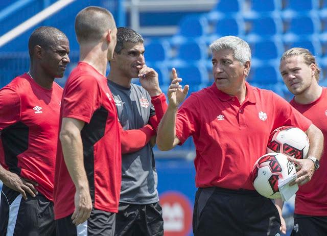 Octavio Zambrano dirige a la selección de futbol de Canadá