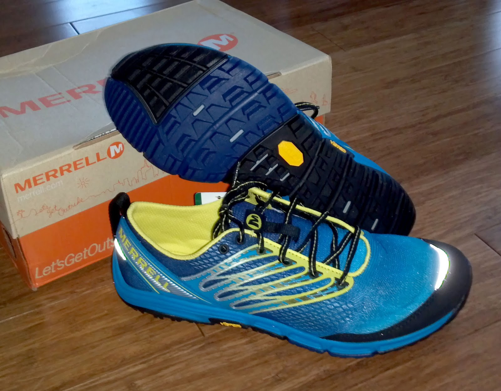merrell barefoot trail run ascend glove