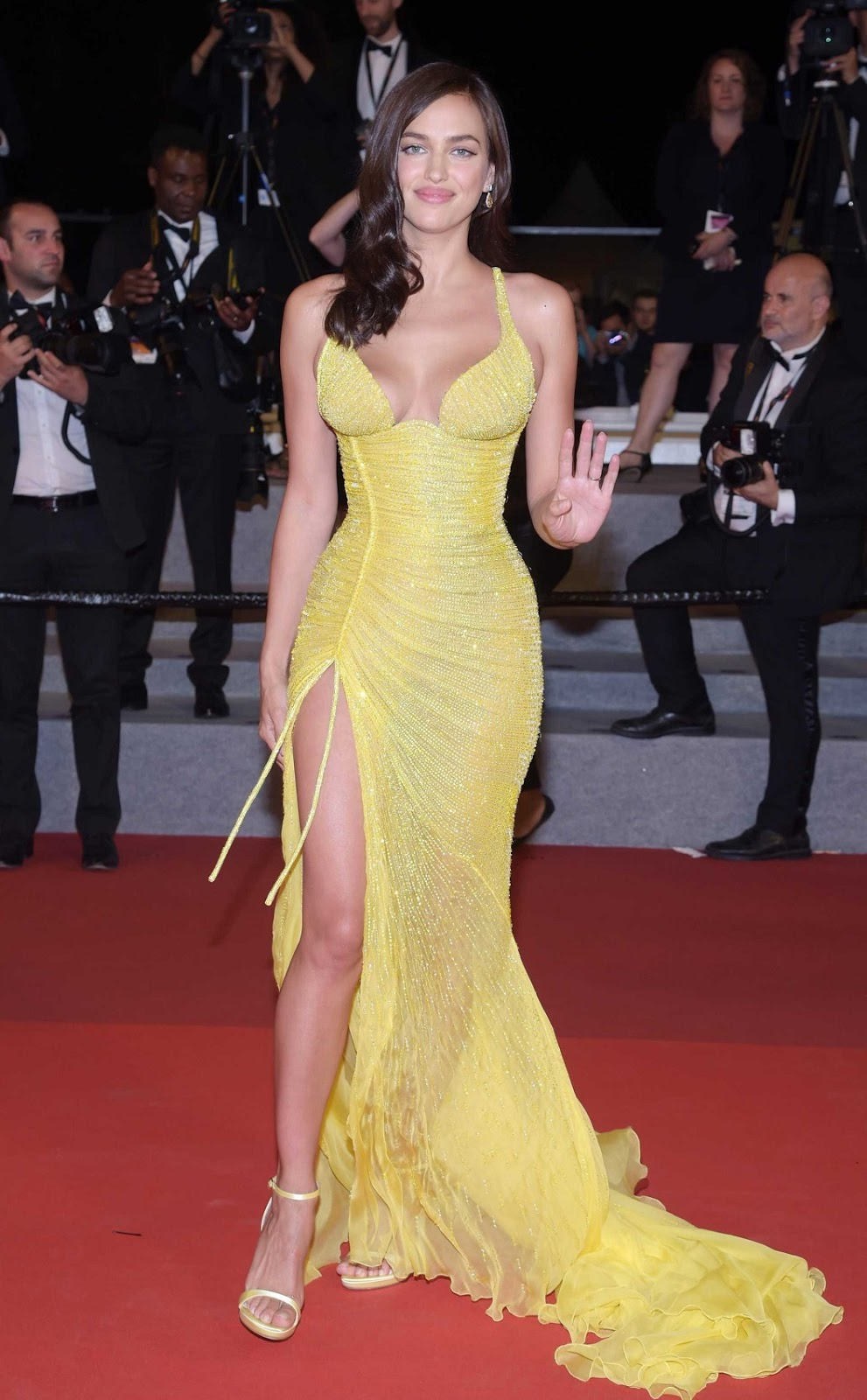 Irina Shayk Bares Curves And Cleavage At The 70Th Annual -1351