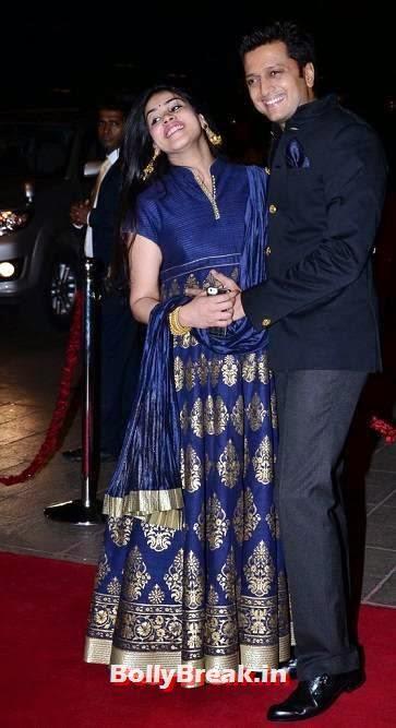 Telugu Actress Genelia D'Souza Baby Bump Photos, Pregnant Actress Genelia Latest Pics in Blue Dress