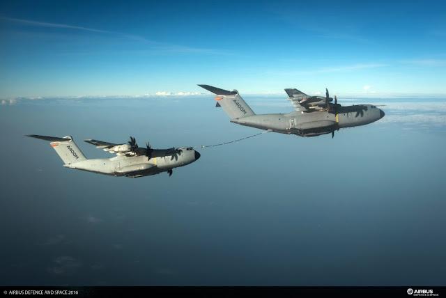 AIRBUS A400M DEMONSTRATES REFUELING CONTACTS WITH SECOND A400M