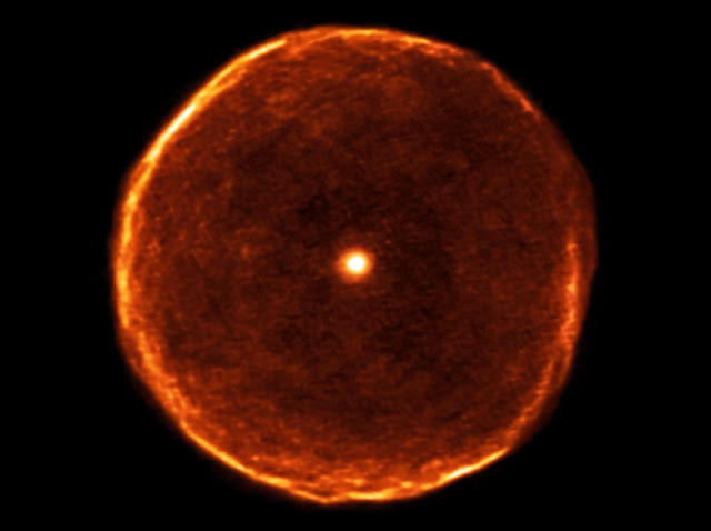 Bolha ao redor da estrela U Antliae registrada pelo Observatório ALMA - 2