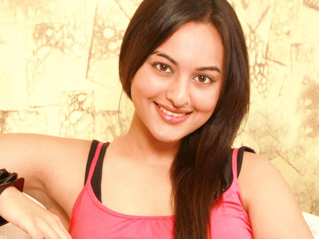 sonakshi sinha latest hot photos