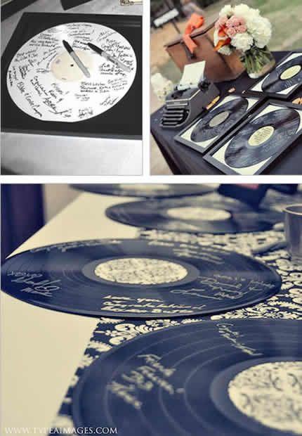 Discos de vinilo como libro de firmas para tu boda - Foto: www.fianceebodas.com