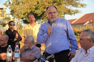 Em um mesmo dia Israel retira e restabelece candidatura de embaixador Danny Dayan para o Brasil