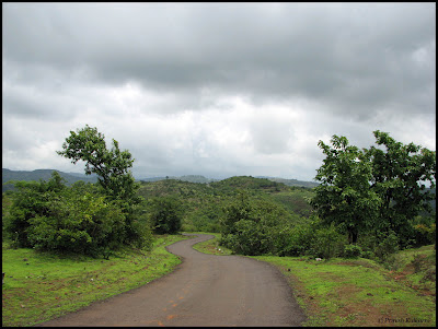 Road to Madhe Ghat