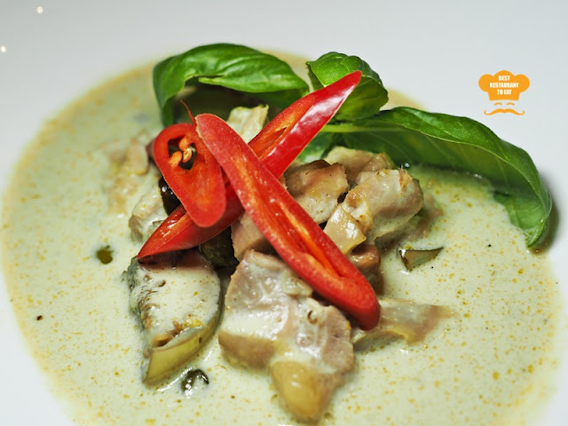 Southern Thai Food - Pak Tai GAENG KIEW WAN GAI - Green Curry