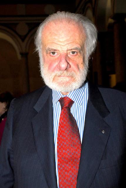 Dr. Pierluigi Baima Bollone, professor de Medicina Legal na Universidade de Turim.