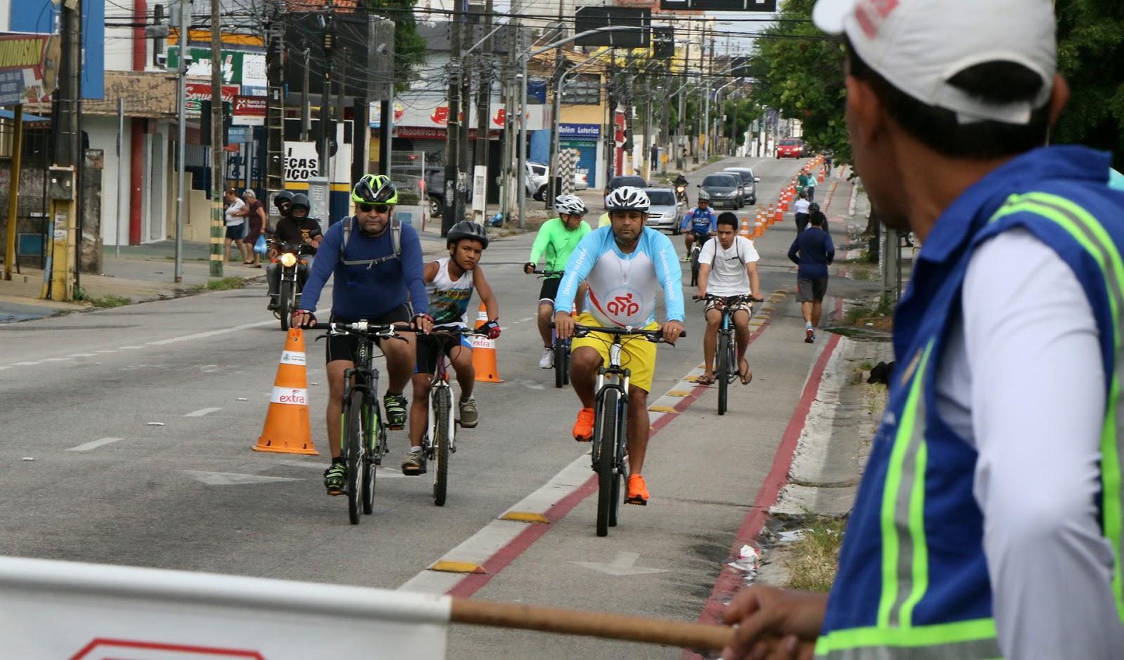 b22fdc07c Rota Leste - A Rota Leste sai da ciclovia da Avenida Washington Soares em  direção ao Passeio Público
