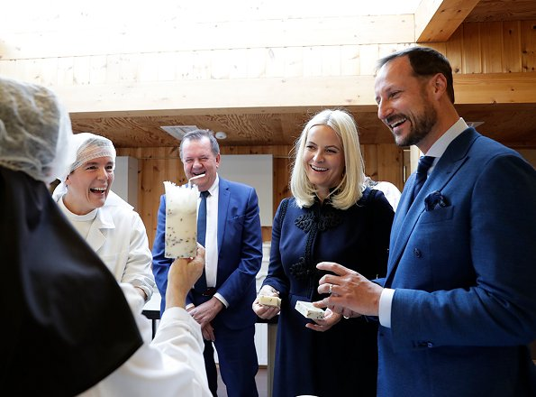 Crown Prince Haakon and Crown Princess Mette-Marit visited a soap factory in Frosta and Tautra monastery in Tautra island