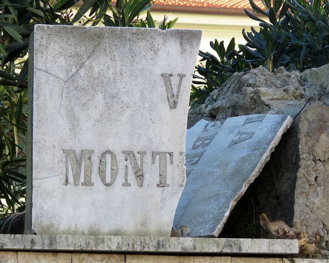 Street name plaque, Via Montebello, Livorno