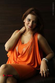Actress Saloni Aswani Pos in Short Dress at Meelo Evaru Koteeswarudu Movie Interview  0203.JPG
