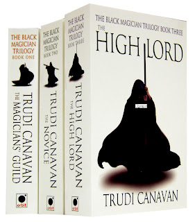 News: O Cla dos Magos,de Trudi Canavan. 10